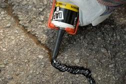 repair asphalt driveway cracks