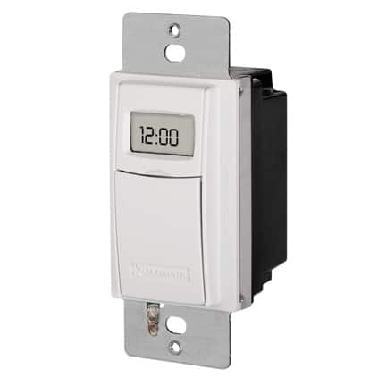 Versatile heavy-duty timer can control fluorescent or incandescent lights, motors, and more. Photo: Intermatic
