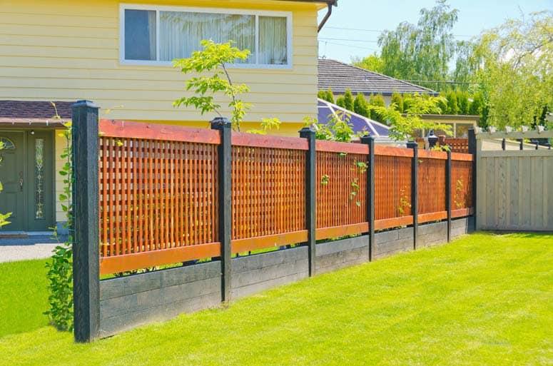 fence-wood-cross-lath-ss