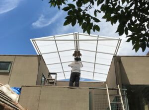 polycarbonate patio roof installation